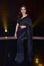 Madhuri Dixit Nene on the sets of DANCE Plus 4 on 7th Jan 2019 (24)_5c36e53c20090.JPG