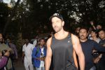 Hrithik Roshan on his birthday at juhu on 10th Jan 2019 (1)_5c384badee9ee.JPG