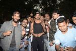 Hrithik Roshan on his birthday at juhu on 10th Jan 2019 (25)_5c384bde87f0a.JPG