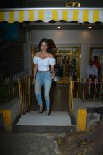 Niddhi Agerwal Spotted At Bandra  (4)_5c3830c264f3e.JPG