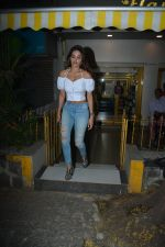 Niddhi Agerwal Spotted At Bandra  (5)_5c3830c44b5a1.JPG
