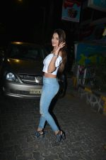 Niddhi Agerwal Spotted At Bandra  (7)_5c3830c64b52d.JPG