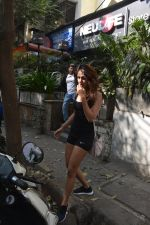 Rhea chakraborty spotted at kitchen garden bandra on 10th Jan 2019 (17)_5c384c9b787b4.JPG