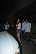 Sonal Chauhan Spotted At Palli Village Cafe Bandra  (1)_5c38310e4031a.JPG