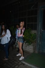 Sonal Chauhan Spotted At Palli Village Cafe Bandra  (10)_5c383121d4cb1.JPG