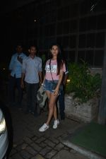 Sonal Chauhan Spotted At Palli Village Cafe Bandra  (12)_5c38312722713.JPG