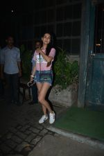 Sonal Chauhan Spotted At Palli Village Cafe Bandra  (13)_5c3831291d211.JPG
