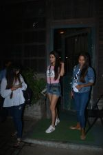 Sonal Chauhan Spotted At Palli Village Cafe Bandra  (2)_5c3831107b360.JPG