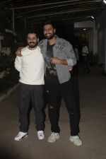 Aditya Dhar, Vicky Kaushal at the Screening of film Uri in sunny sound juhu on 12th Jan 2019 (71)_5c3ae4d76ddf0.JPG