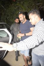 Ajay Devgan Spotted At Physioflex Gym In Versova on 11th Jan 2019 (18)_5c3abf5cedd4d.JPG
