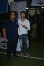 Dino Morea spotted at football ground in bandra on 12th Jan 2019 (11)_5c3acdf8c9e5c.JPG