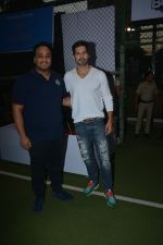 Dino Morea spotted at football ground in bandra on 12th Jan 2019 (14)_5c3acdff2254f.JPG