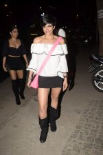 Mandira Bedi With Friends Spotted At Soho House Juhu on 11th Jan 2019 (11)_5c3ac0a827fed.JPG