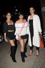 Mandira Bedi With Friends Spotted At Soho House Juhu on 11th Jan 2019 (14)_5c3ac0ac6d820.JPG