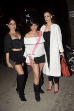 Mandira Bedi With Friends Spotted At Soho House Juhu on 11th Jan 2019 (15)_5c3ac0ade6661.JPG