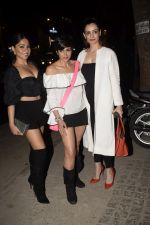 Mandira Bedi With Friends Spotted At Soho House Juhu on 11th Jan 2019 (20)_5c3ac0b4e1e48.JPG
