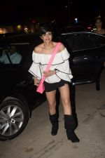 Mandira Bedi With Friends Spotted At Soho House Juhu on 11th Jan 2019 (5)_5c3ac09f60587.JPG