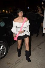 Mandira Bedi With Friends Spotted At Soho House Juhu on 11th Jan 2019 (6)_5c3ac0a0b6b52.JPG