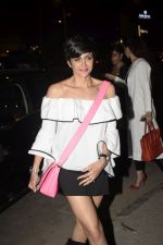 Mandira Bedi With Friends Spotted At Soho House Juhu on 11th Jan 2019 (7)_5c3ac0a21b7bc.JPG