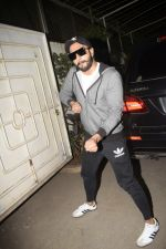 Ranveer Singh at the Screening of film Uri in sunny sound juhu on 12th Jan 2019 (372)_5c3ae771457ad.JPG