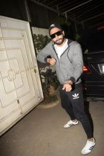 Ranveer Singh at the Screening of film Uri in sunny sound juhu on 12th Jan 2019 (375)_5c3ae775b2a69.JPG
