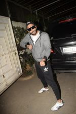 Ranveer Singh at the Screening of film Uri in sunny sound juhu on 12th Jan 2019 (376)_5c3ae777c9921.JPG