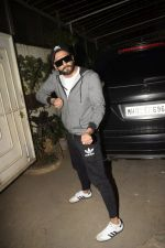 Ranveer Singh at the Screening of film Uri in sunny sound juhu on 12th Jan 2019 (379)_5c3ae77cc6684.JPG