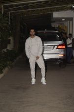 Varun Dhawan at the Screening of film Uri in sunny sound juhu on 12th Jan 2019 (243)_5c3ae8d18da64.JPG