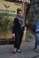 Raveena Tandon spotted at farmer_s cafe Bandra on 14th Jan 2019 (6)_5c3ecfb78d1f3.JPG