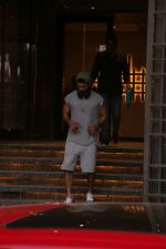 Shahid Kapoor spotted at gym in juhu on 14th Jan 2019 (12)_5c3ed89d8f0c7.JPG
