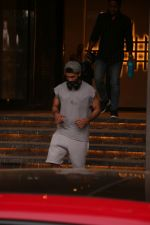 Shahid Kapoor spotted at gym in juhu on 14th Jan 2019 (13)_5c3ed8a1b38b5.JPG