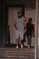 Shahid Kapoor spotted at gym in juhu on 14th Jan 2019 (8)_5c3ed87f8c258.JPG