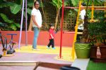 Taimur spotted at play school in bandra on 14th Jan 2019 (9)_5c3ed32e70191.JPG