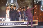 Sonu Nigam, Guru Randhawa, Rekha Bharadwaj at The launch of Royal Stag Barrel Select MTV Unplugged on 16th Jan 2019 (6)_5c402e9a46db9.JPG