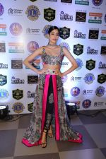 Janhvi Kapoor at Red Carpet of Lion Gold Award on 17th Jan 2019 (22)_5c418fd89ba9a.JPG