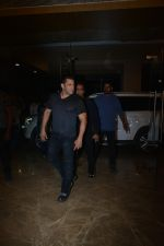 Salman Khan at Ramesh Taurani_s birthday party at his house in khar on 17th Jan 2019 (312)_5c41889ee6fa2.JPG