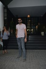 Abhay Deol Spotted At Soho House Bandra on 20th Jan 2019 (4)_5c45832b6ca18.JPG