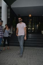 Abhay Deol Spotted At Soho House Bandra on 20th Jan 2019 (5)_5c45832d53e40.JPG