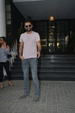 Abhay Deol Spotted At Soho House Bandra on 20th Jan 2019 (7)_5c45833123db6.JPG