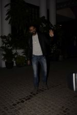 Abhay Deol spotted at Soho House juhu on 18th Jan 2019 (7)_5c456bb1e3376.JPG