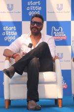 Ajay Devgan at Plastic Banega Fantastic event by uniliver in Mahim Beach on 19th Jan 2019 (23)_5c4573d80578a.JPG