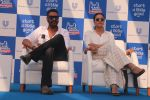 Ajay Devgan, Kajol at Plastic Banega Fantastic event by uniliver in Mahim Beach on 19th Jan 2019 (21)_5c4573dd74b54.JPG