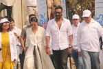 Ajay Devgan, Kajol at Plastic Banega Fantastic event by uniliver in Mahim Beach on 19th Jan 2019