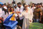 Ajay Devgan, Kajol at Plastic Banega Fantastic event by uniliver in Mahim Beach on 19th Jan 2019 (45)_5c4573ed3aaef.JPG