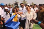Ajay Devgan, Kajol at Plastic Banega Fantastic event by uniliver in Mahim Beach on 19th Jan 2019 (47)_5c4573eee64e3.JPG