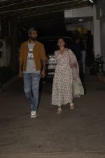 Alia Bhatt, Vicky Kaushal at Uri Screening in Sunny Sound Juhu on 18th Jan 2019 (97)_5c45777836820.JPG