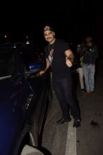 Arjun Kapoor spotted at Soho House juhu on 18th Jan 2019 (38)_5c45784514741.JPG