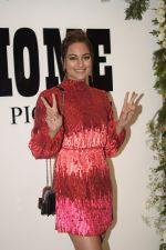 Sonakshi Sinha at Badhaai Ho success & Chrome picture_s15th anniversary in andheri on 19th Jan 2019 (155)_5c45815a98422.JPG