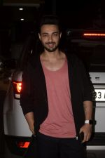 Aayush Sharma Spotted At Khar on 23rd Jan 2019 (10)_5c4959579751d.JPG