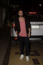 Aayush Sharma Spotted At Khar on 23rd Jan 2019 (13)_5c49595aa7441.JPG